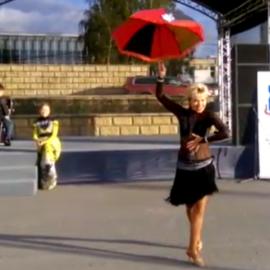 Танец с зонтиком (10.09.2016)
