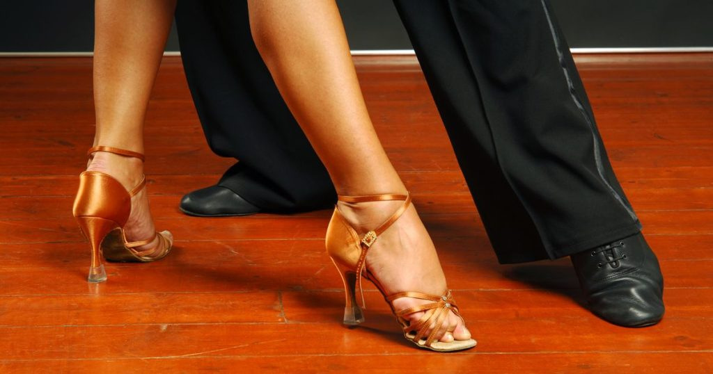 Как правильно выбрать обувь для танцев